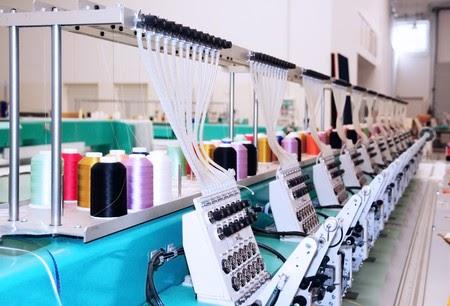 Robôs na fábrica de roupas: o Ocidente ganha empresas de volta, os países em desenvolvimento têm muito a perder