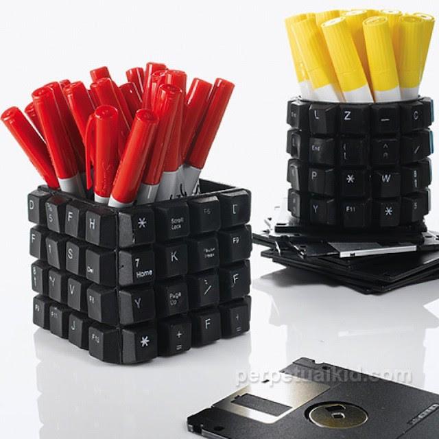 objetos-reciclados-para-decorar-el-escritorio5