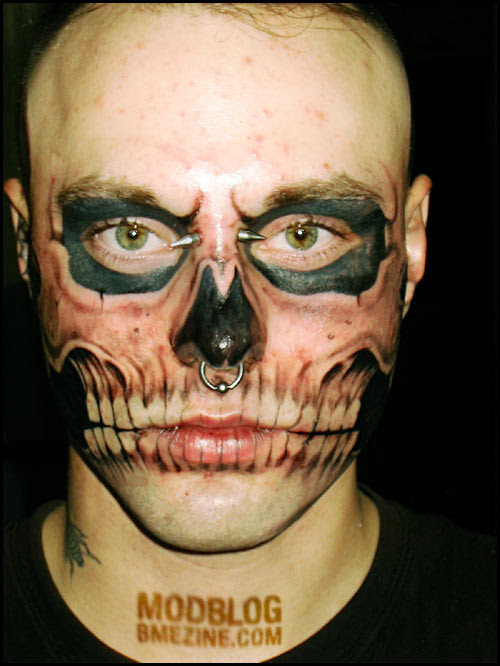 daa8bc2fb241ce47eb0ee994e8c3c99b Weird Celebrity Tattoos – Britney Spears, You call yourself a Misfits fan?