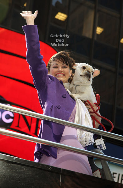 Poppins – The Broadway Musical, stepped out with her dog Eddie to attend