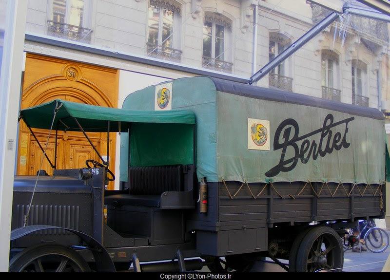 Exposition+camions+historiques+Berliet+Lyon