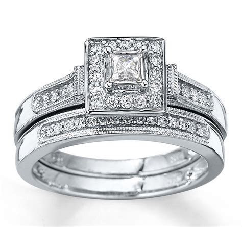 Divine Antique Halo Diamond Bridal Ring Set 1 Carat