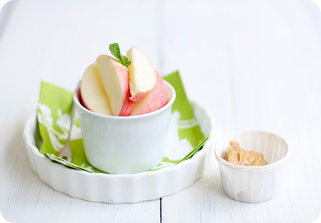 Crunchy Apples & Peanut Butter