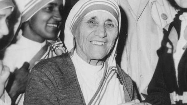 Madre Teresa Viveu Período Heroico De Escuridão Espiritual Diz