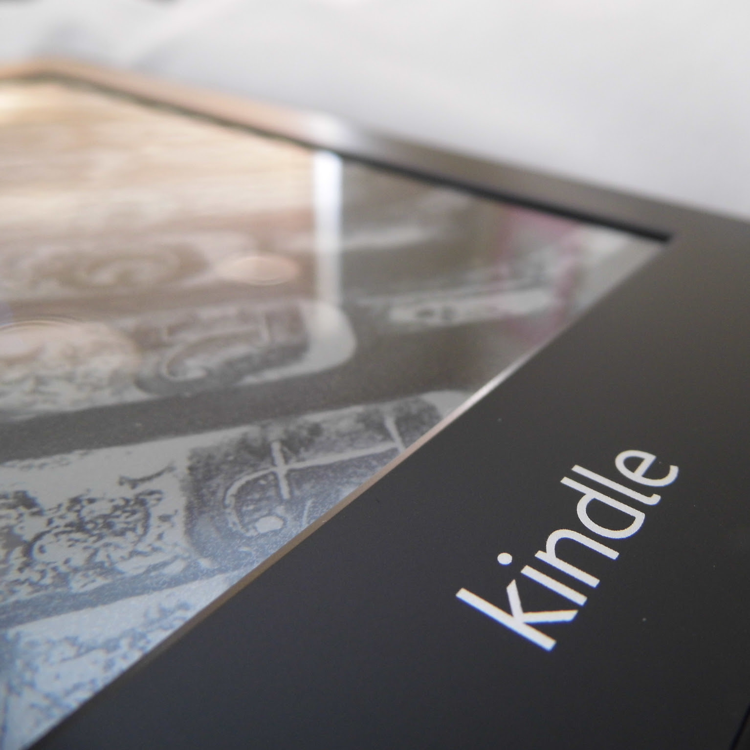Kindle PaperWhite Close
