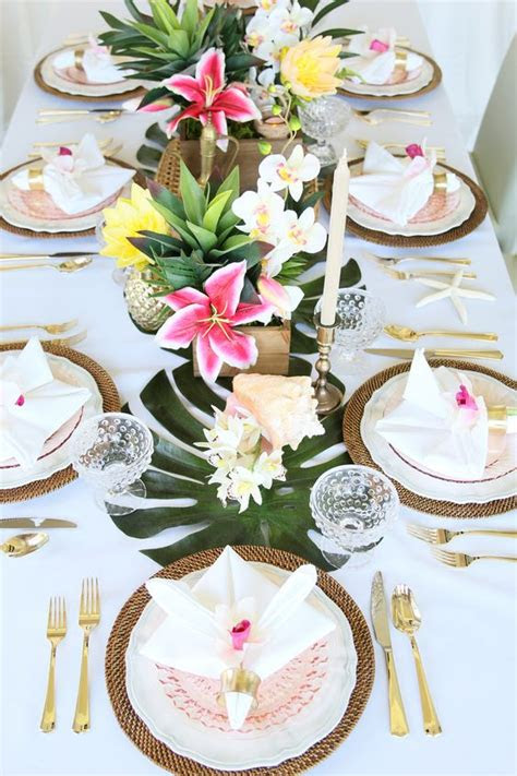 green tropical leaves wedding ideas page    puff