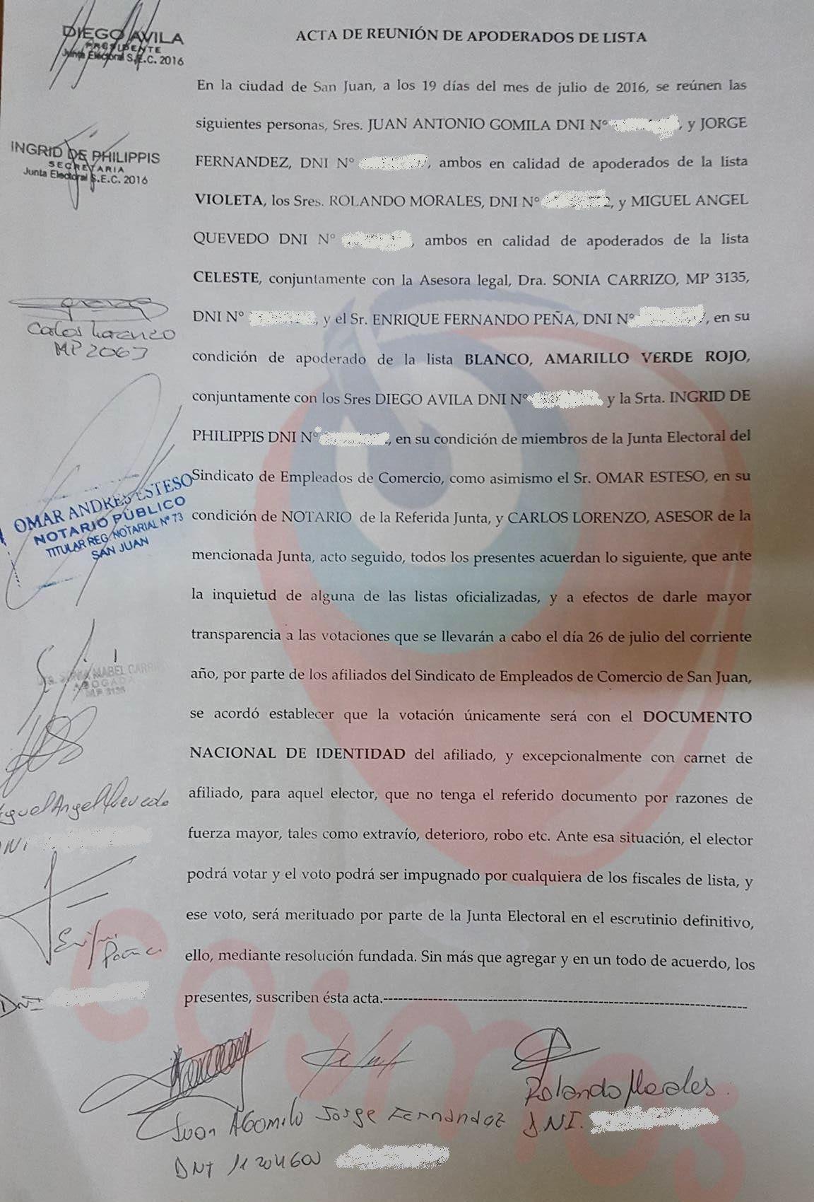 Además en éste día de elección se presentan inconvenientes con dos hombres que provinieron del Partido de La Matanza en Buenos Aires que irrumpieron armados y fueron detenidos.