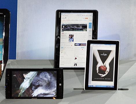 'Slate PC' de las marcas Archos, Pegatron y HP, presentados por Ballmer. | REUTERS