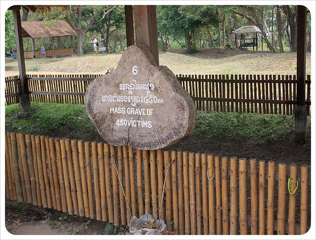 phnom penh killing fields mass grave