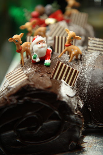christmas chocolate cake picture