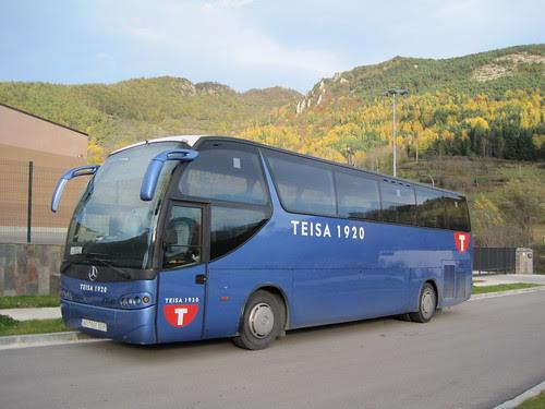 Autobus Mercedes Benz carrossat per Ayats de l'empresa TEISA a Camprodon (Ripollès)