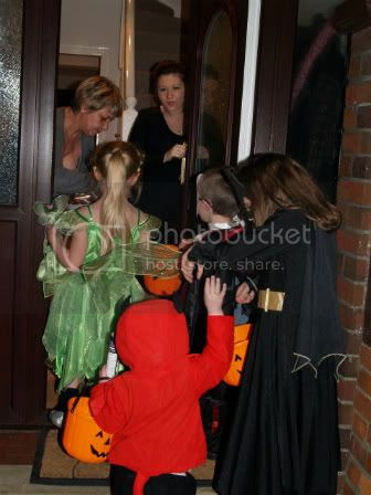 Trick-or-treating1 Halloween 2010