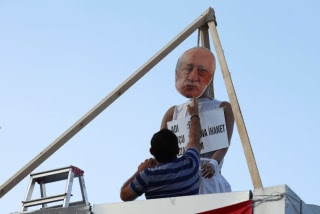 Image: Mask bearing image of Fethullah Gulen is attached to makeshift gallows