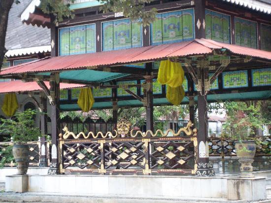 Kraton (Keraton): decoration at the Sultan's palace