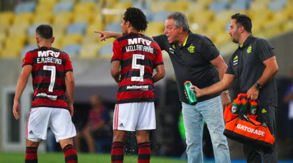 Os 10 clubes brasileiros que mais trocaram de técnico no século XXI