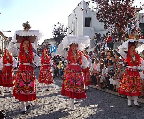 Cortejo Etnográfico das festas de Nossa Senhora da Agonia em Viana do Castelo -Portugal by Cida Garcia