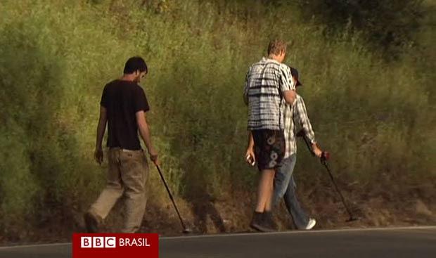 Fragmentos espalhados são procurados por caçadores profissionais. (Foto: BBC)