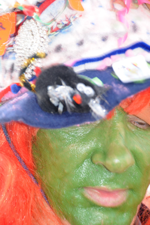 mummer with green face paint_9144 web