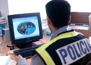 policía y pornografía