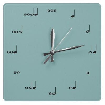 Music note wall clock! Brought the band nerd out in me! Great idea for a music room, or over a piano,