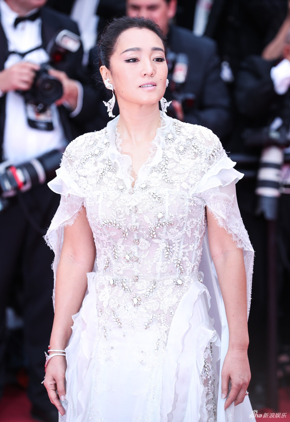 """loat my nhan sieu vong 1 lam """"nao loan"""" tham do cannes 2019 hinh anh 12"""