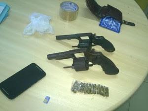 Armas encontradas com a dupla em Salgueiro (Foto: Divulgação/Polícia Federal)