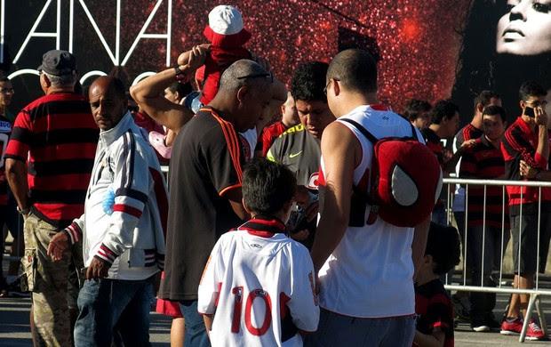 Final NBB Flamengo e uberlândia fila torcedores (Foto: Gabriel Fricke)