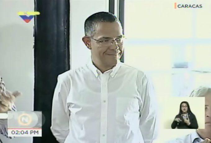 Maduro designa a Ernesto Villegas nuevo ministro de Cultura