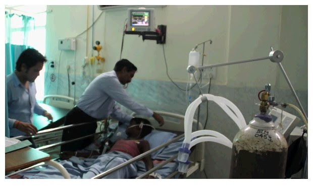 ICU in an Indian hospital - Image by Sunil Deepak