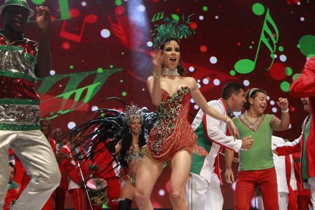 Ana Furtado, rainha de bateria da Grande Rio, na gravação da vinheta de carnaval no Rio (Foto: Isac Luz/ EGO)