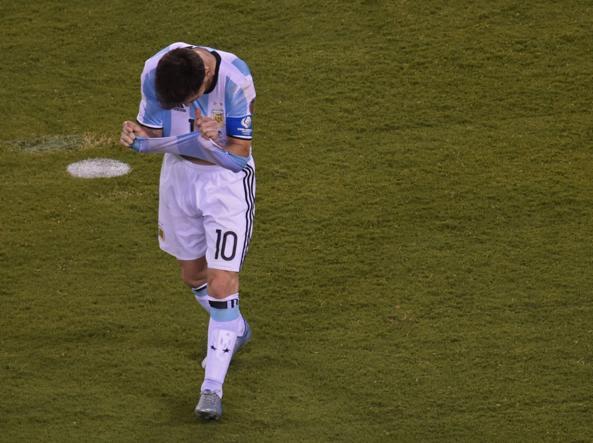 Messi, i flop con l'ArgentinaQuattro finali perse: «Ora basta»