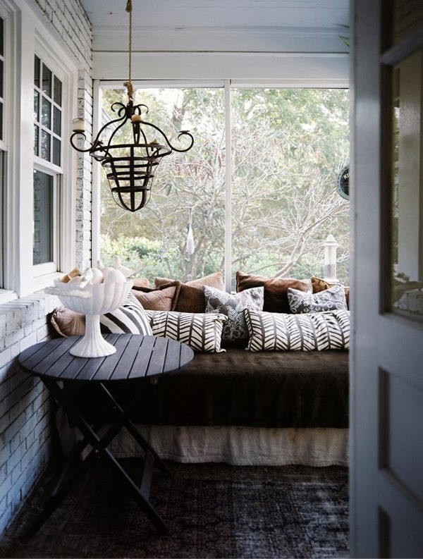 How To Design Sleeping Porch | InteriorHolic.