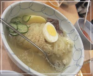 「冷麺さくら」の名物冷麺。ほんっとーに美味しいのです。
