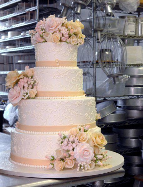 1000  ideas about Tall Wedding Cakes on Pinterest