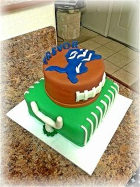 Detroit lions football field cake   Football party
