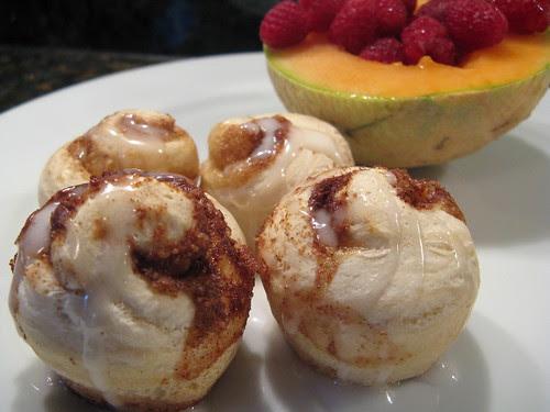 Mini melon & mini rolls