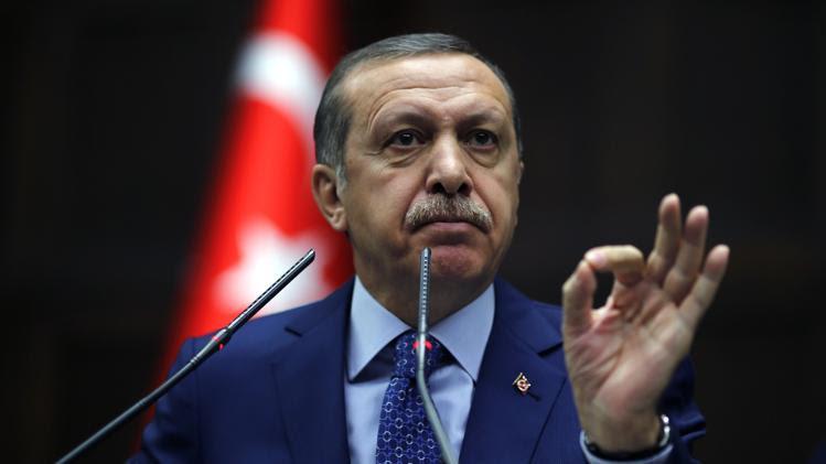 Τουρκία: Ο Ερντογάν προϊδεάζει το ποίμνιο και γι' άλλα…