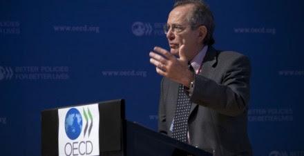 El economista en jefe de la OCDE, Pier Carlo Padoan. Foto: AP
