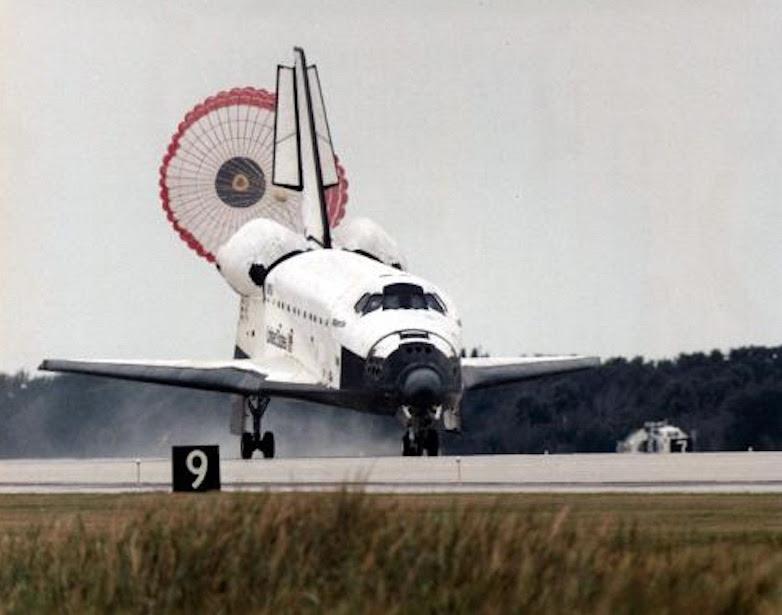Nov20-1995-STS-74_landing