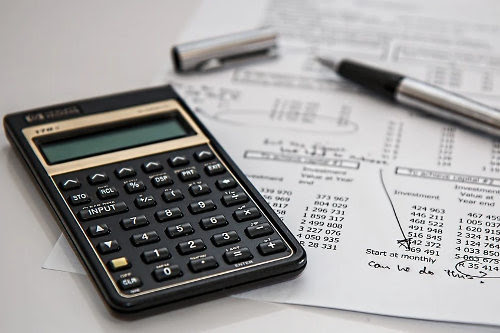 Invoice financing and factoring