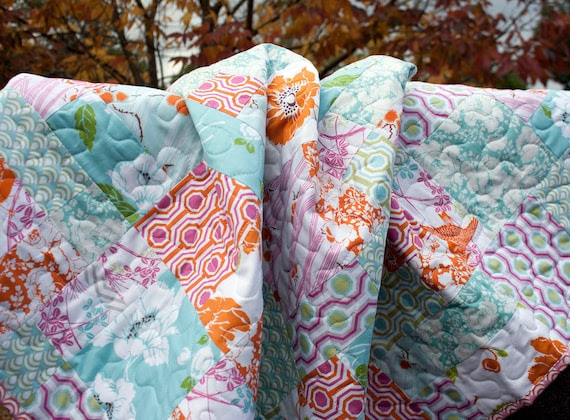 cyber monday FREE SHIPPING // floral modern quilt for toddler bed or couch lap // hopscotch in verna fabrics