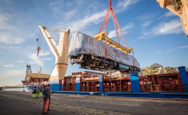 Llegaron desde China 20 nuevas locomotoras para el tren de cargas