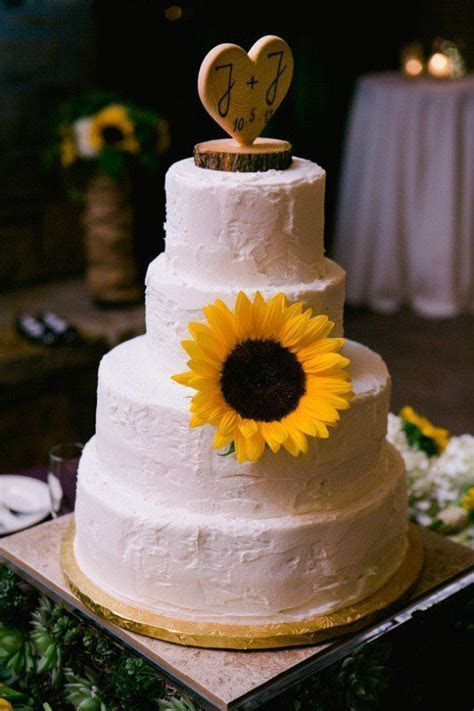 1000  images about Rustic Wedding Cakes on Pinterest