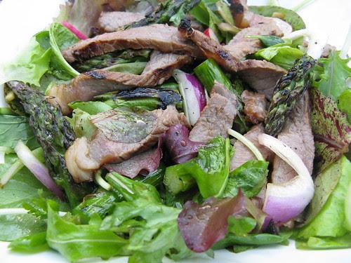 Grilled Asian Steak Salad