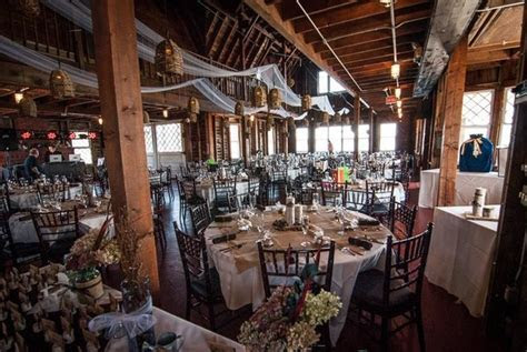 Valcour Inn and Boathouse   Peru, NY Wedding Venue