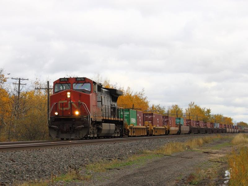 CN 2675 on train 101 in Winnipeg, Manitoba