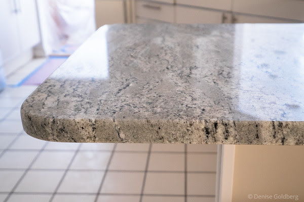 kitchen :: with new granite countertops (in Scottish Meadow pattern)