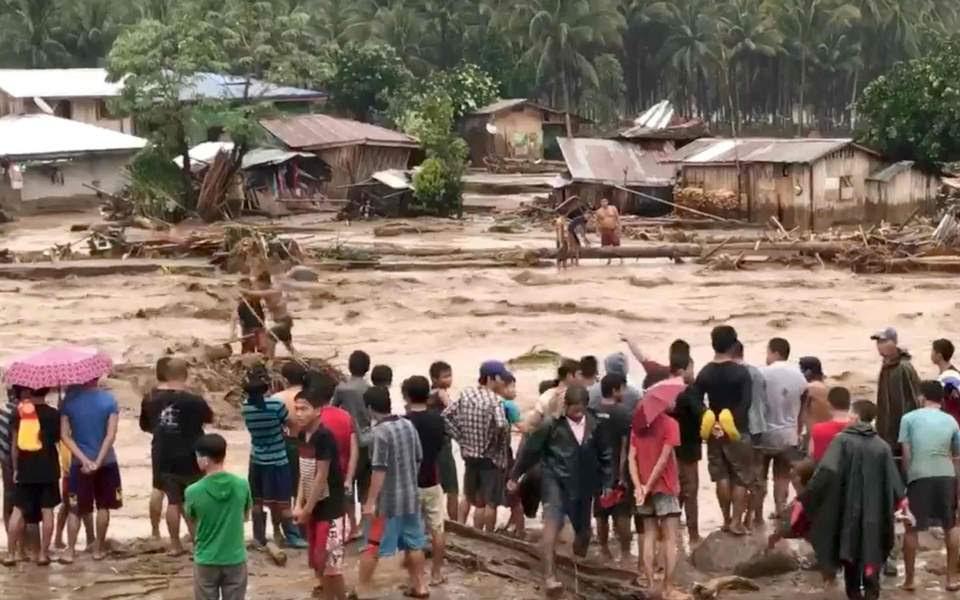 Αποτέλεσμα εικόνας για φιλιππινες τροπικη καταιγιδα