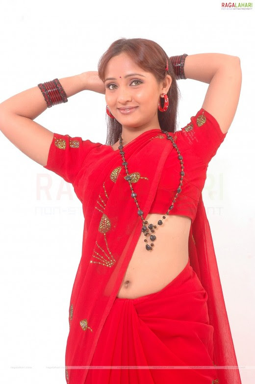 south mallu new young actress Shree Shruthi saree wear