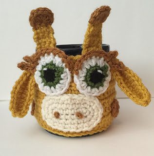 Giraffe_cozy__1__small2